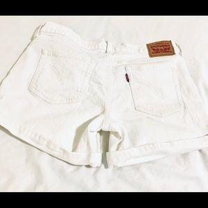 Levi's white high-rise shorts size 28.